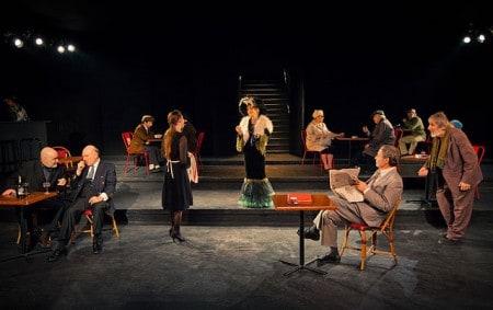 Theaterstück Held Mitspieler